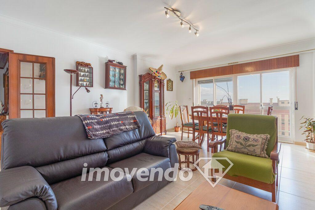 Apartamento T2 em Sintra, Queluz com 80 m<sup>2</sup> por 188.000