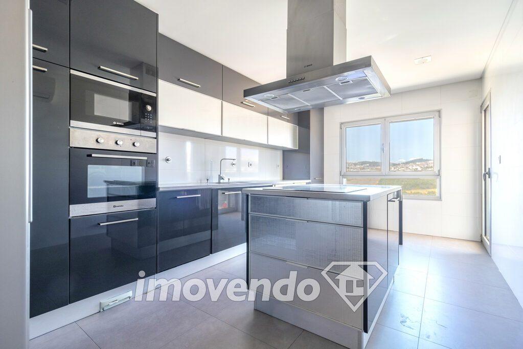 Apartamento T4 em Odivelas, Odivelas com 184 m<sup>2</sup> por 595.000