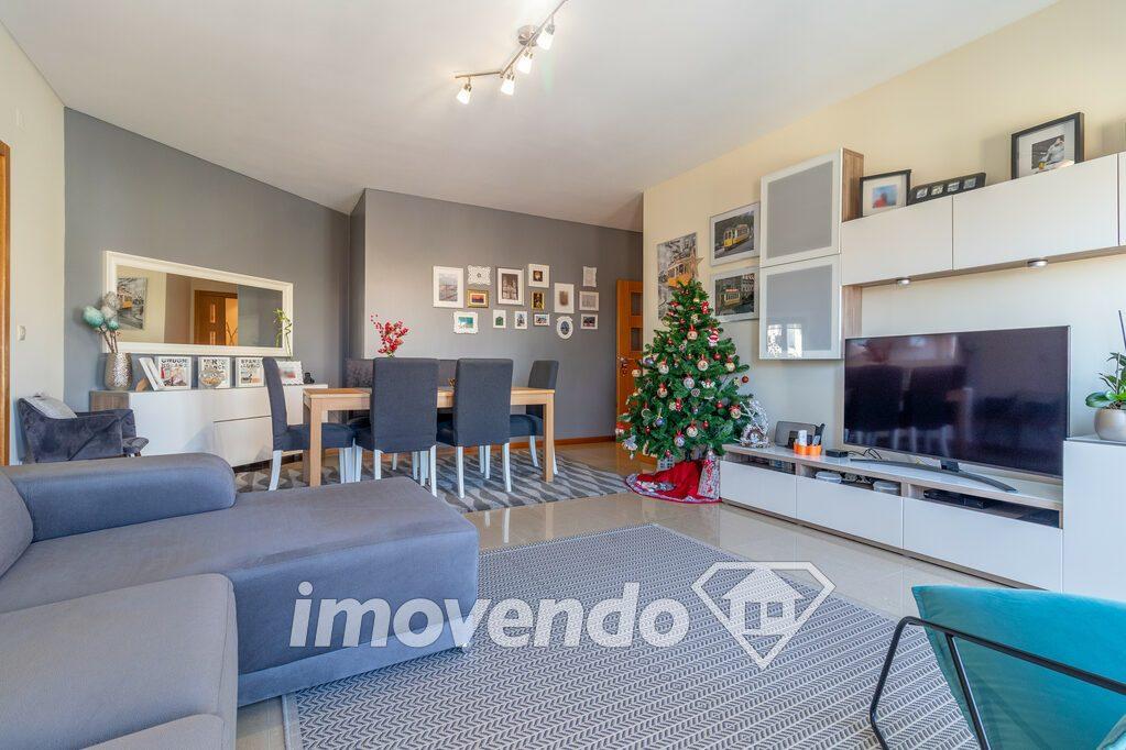 Apartamento T2 em Loures, Loures com 92 m<sup>2</sup> por €260.000
