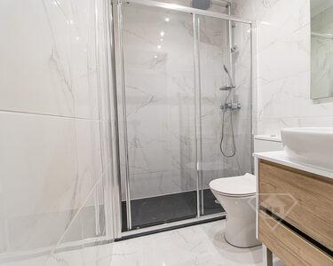 Apartamento T2, totalmente remodelado, como novo, em Benfica - Lisboa