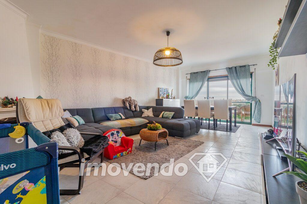 Apartamento T3 em Sintra, Massamá com 141 m<sup>2</sup> por €240.000