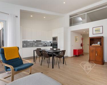 Apartamento Duplex T2+1, remodelado e mobilado em Vilamoura - Algarve