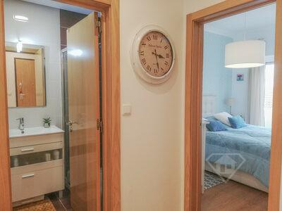 Apartamento T2, recentemente remodelado e com áreas generosas, em Benfica