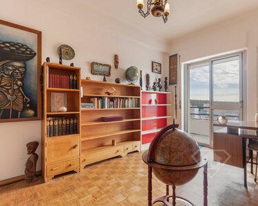 Apartamento T4 Duplex, com vista sobre a Serra de Sintra, em Rio de Mouro