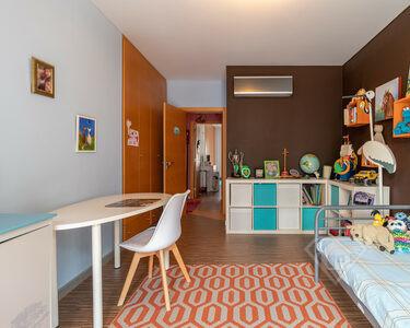 Apartamento T4, com acabamentos de luxo e áreas generosas, na Ramada