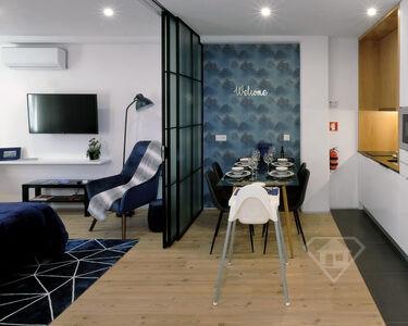 Apartamento T1 remodelado na Batalha, centro histórico do Porto