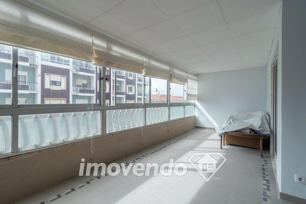 Apartamento T3 em Oeiras, Algés com 96 m<sup>2</sup> por 315.000