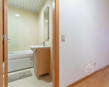 Apartamento T2, com garagem e acabamentos de qualidade superior, em Odivelas