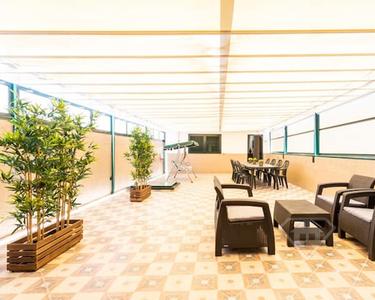 Apartamento Triplex T6+2, totalmente remodelado e mobilado, na Campanhã