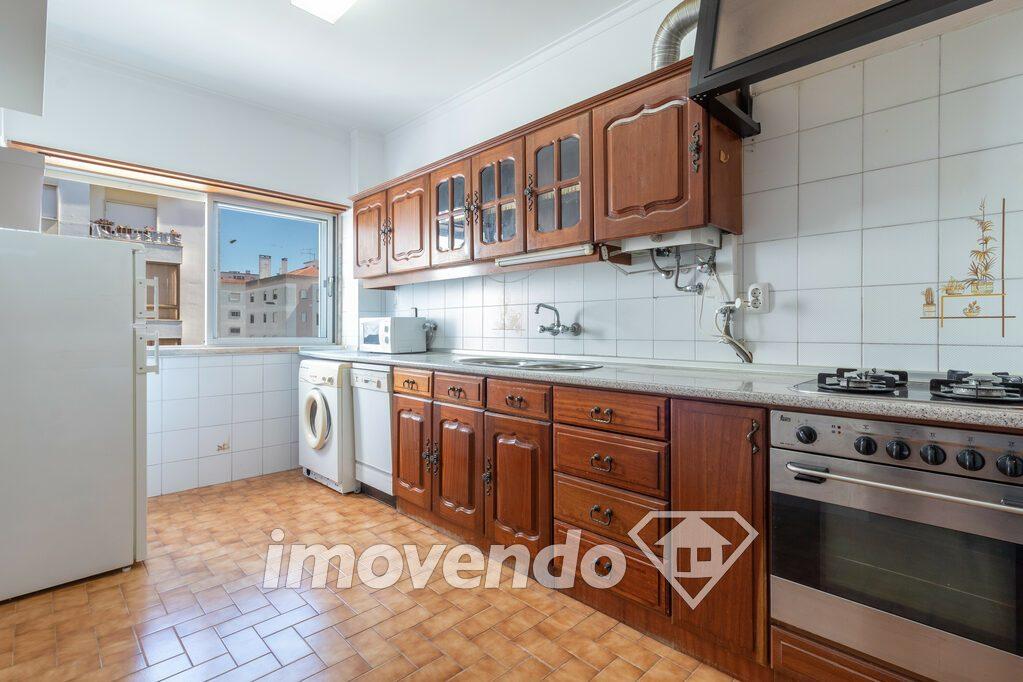 Apartamento T3 em Sintra, Massamá com 83 m<sup>2</sup> por €158.000