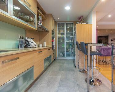 Apartamento T3, com garagem privativa e acabamentos de luxo, na Ramada
