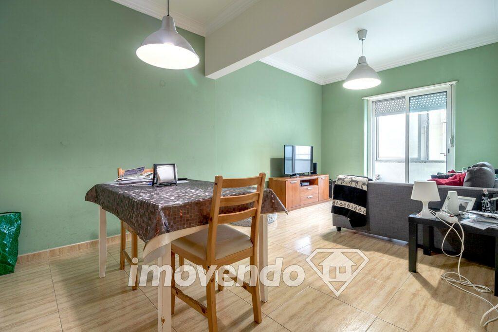 Apartamento T2 em Oeiras, Algés com 91 m<sup>2</sup> por 245.000