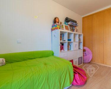 Apartamento T3, com acabamentos de luxo, na Quinta da Portela, em Coimbra