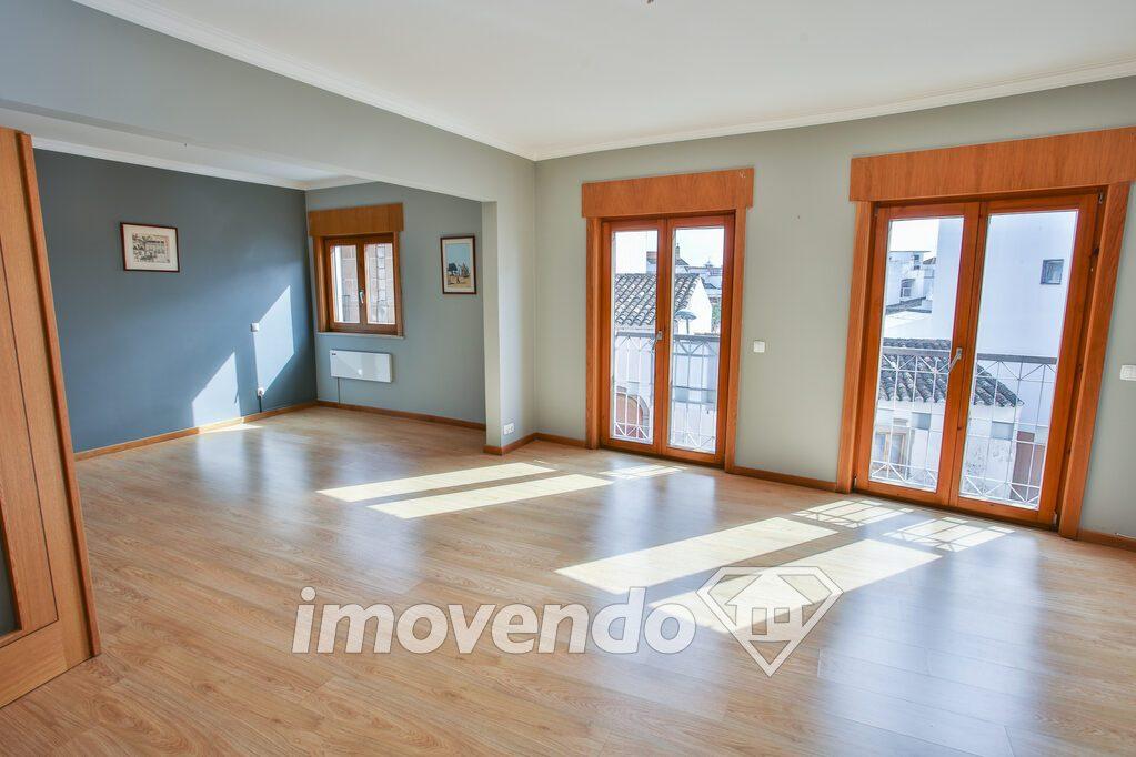 Apartamento T3 em São Brás de Alportel, São Brás de Alportel com 185 m<sup>2</sup> por 240.000