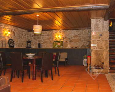 Moradia isolada T2, com piscina, num espaço natural único, em Arcos de Valdevez