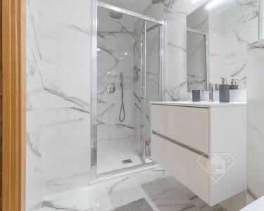 Apartamento T2, totalmente remodelado com acabamentos de luxo, no Lumiar